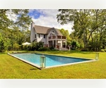 STYLISH BRIDGEHAMPTON  WIITH POOL AND GARDENS