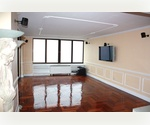 Spectacular 3 BR/2.5 Bath with breathtaking views! Health Club, Swimming Pool with Sauna, Bike Room, Rooftop Garden, Courtyard